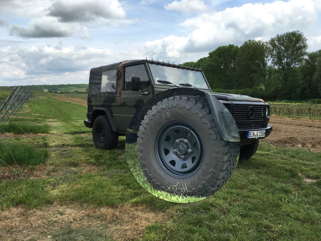 DOTZ Dakar Black with TOYO OpenCountry 265/75R16 on a 1980s Mercedes G-Class W460