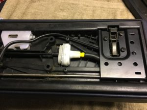 R129 Mittelarmlehne Klappe Beleuchtung Kabelfuehrung #2